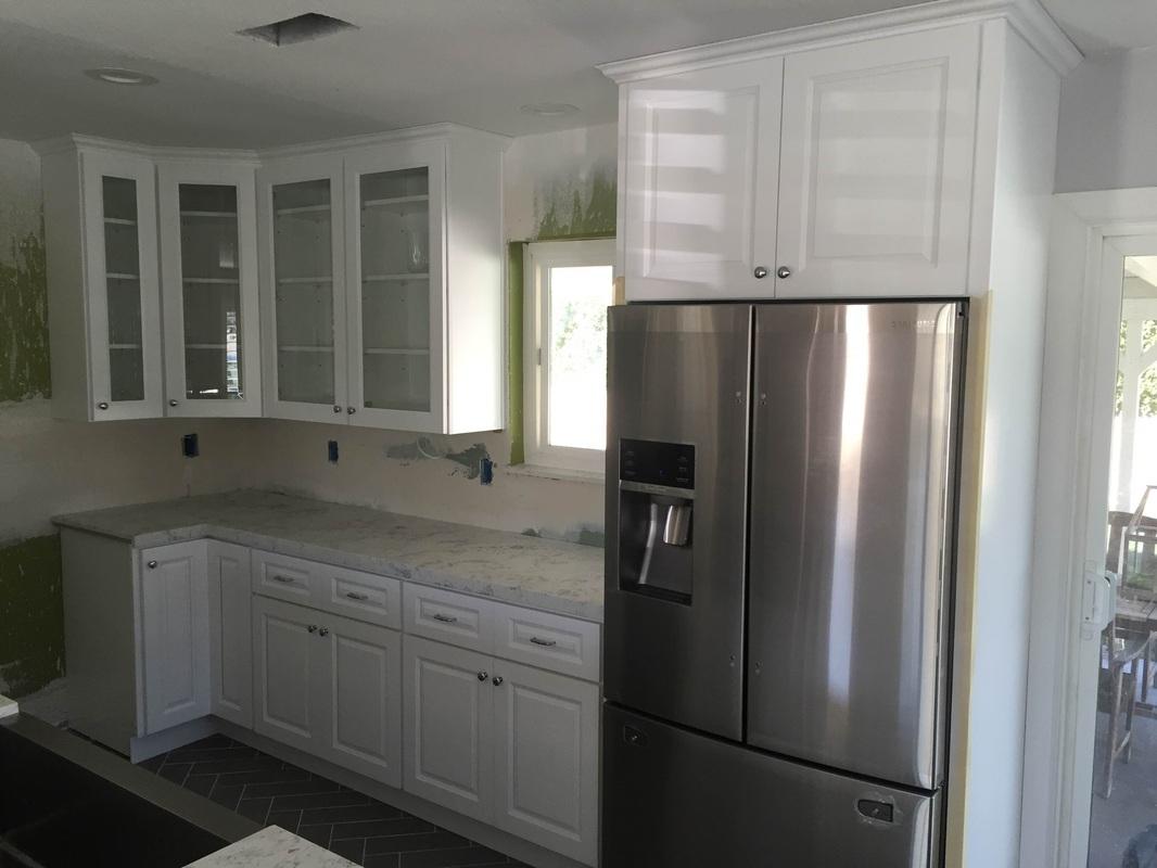 Kitchen Snow White Cabinets Amp Quartz Slab Mitered Edge