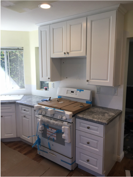 White Snow Bay Cabinets With Quartzite Countertop Ogee Flat Edge For David Oceanside Ca Kitchen Premade Cabinets Wholesalers Warehouse Rta Kitchen Cabinets Kitchen Cabinets Free Designer Kitchen Cabinets Wholesalers Warehouse Pre Prefab Quartz