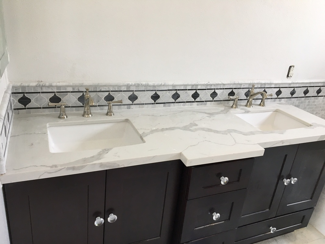 bathroom vanity with quartz countertop